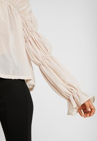 Missguided Tall - SHEER POET BLOUSON SLEEVE BLOUSE - Bluse - offwhite - 5