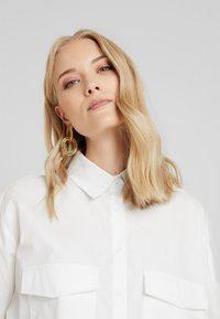 Missguided Tall - OVERSIZED LONG SLEEVE - Button-down blouse - white - 3