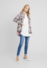 Missguided Tall - OVERSIZED LONG SLEEVE - Button-down blouse - white - 1