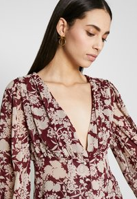 Missguided Tall - FLORAL BUTTON FRONT BLOUSE - Bluser - burgundy - 3