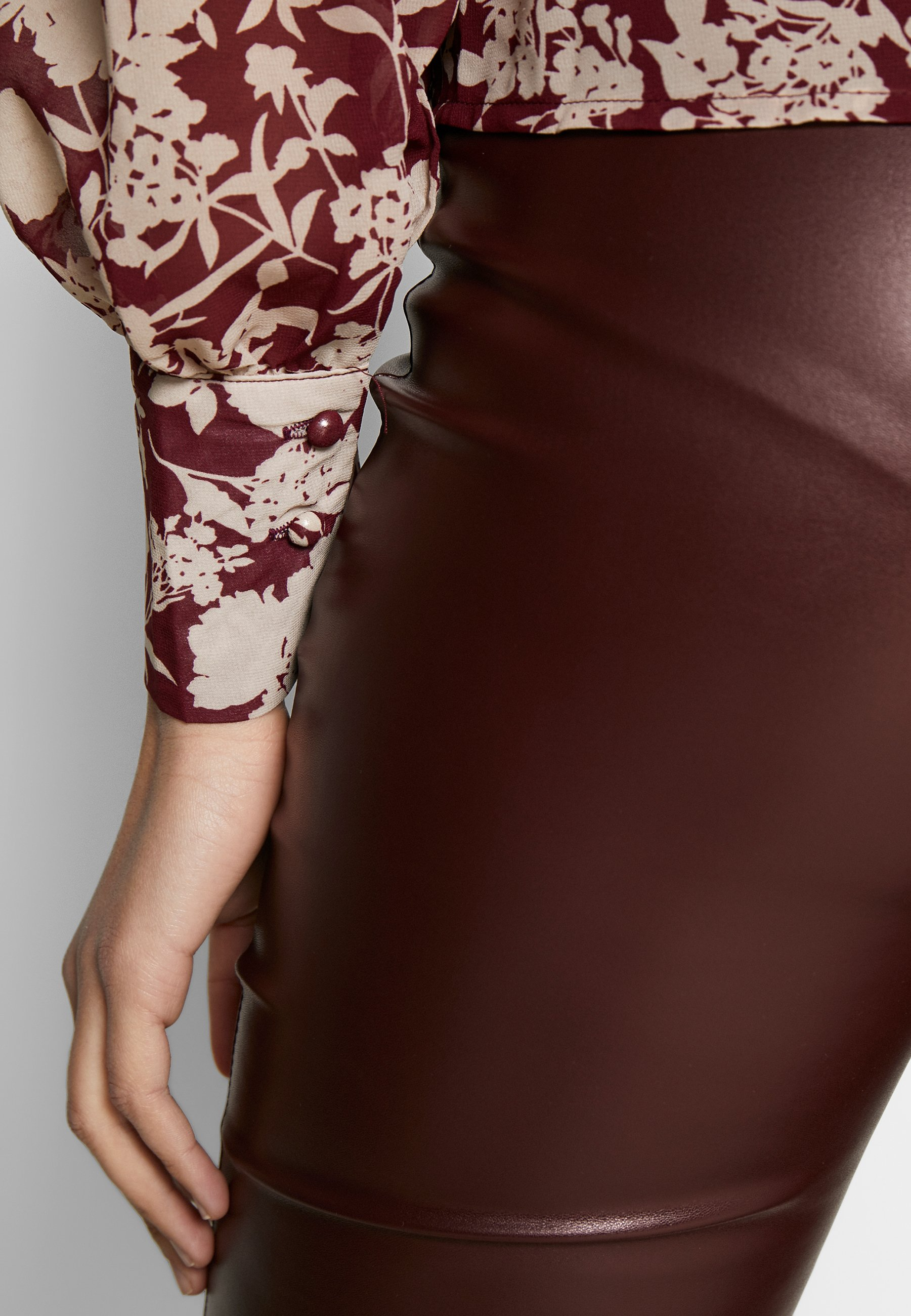 Missguided Tall FLORAL BUTTON FRONT BLOUSE - Bluser - burgundy