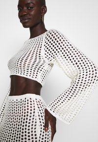 Missguided Tall - WIDE NECK CROCHET CROP - Jersey de punto - cream - 4