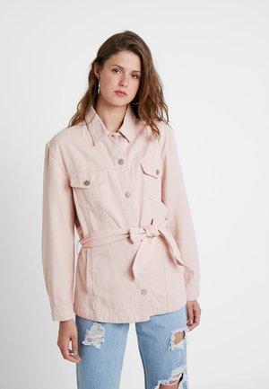 BELTED LONGLINE TRUCKER JACKET - Denim jacket - pink