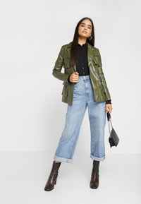 Missguided Tall - UTILITY POCKET - Faux leather jacket - deep green - 1