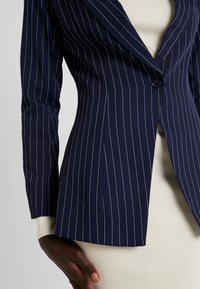 Missguided Tall - PINSTRIPE ONE BUTTON - Blazer - navy - 5