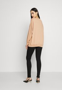 Missguided Tall - DREAMER EMBROIDERED SLOGAN  - Sweatshirt - tan - 2