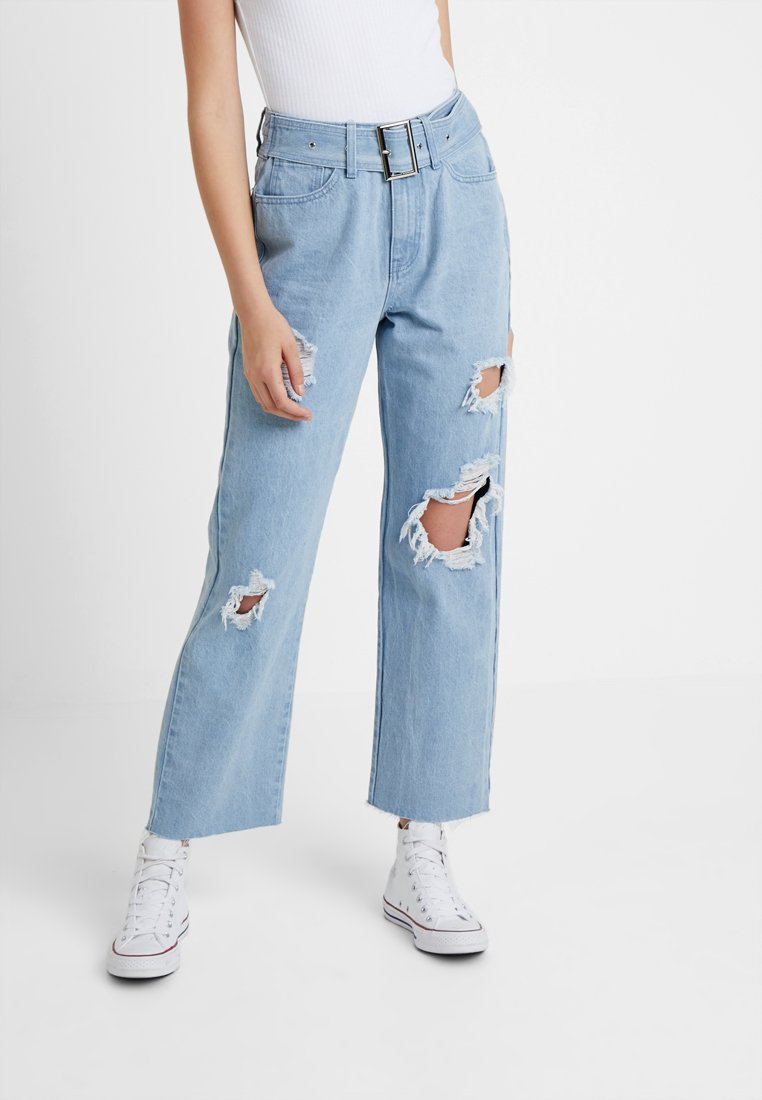 Missguided Tall - BELTED BALOON BOYFRIEND - Relaxed fit jeans - light wash
