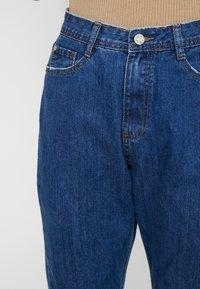 Missguided Tall - WRATH MID RISE CLEAN CUT HEM - Jean boyfriend - blue - 4