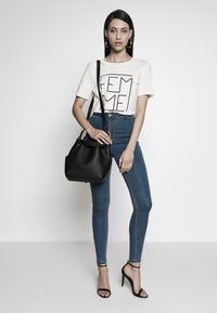 Missguided Tall - VICE HIGHWAISTED - Jeans Skinny Fit - stonewash - 1