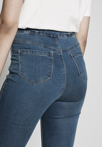 Missguided Tall - VICE HIGHWAISTED - Jeans Skinny Fit - stonewash - 5