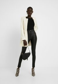 Missguided Tall - HIGH WAISTED COATED - Bukse - black - 1
