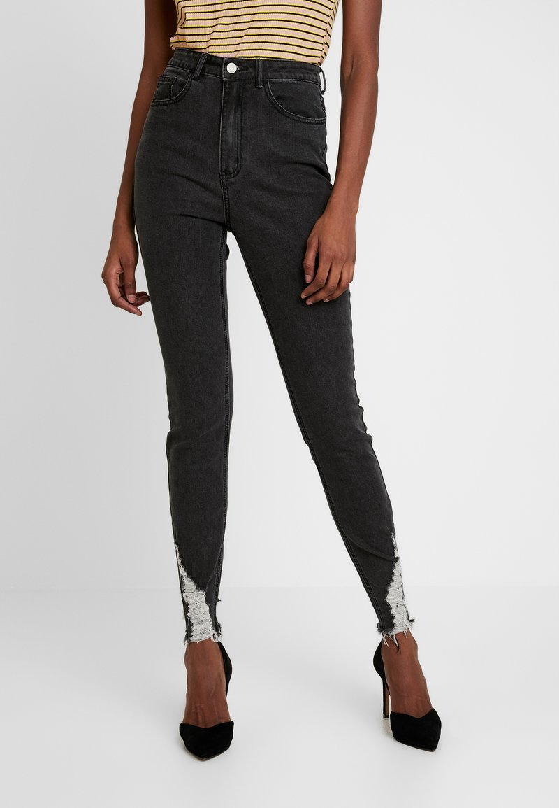 Missguided Tall - SINNER RIP HEM - Jeans Skinny Fit - washed black