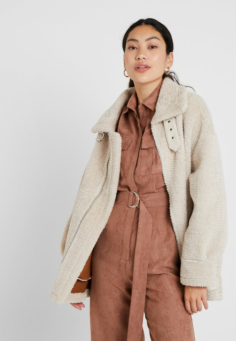 Missguided Tall - ULTIMATE AVIATOR - Winter jacket - sand