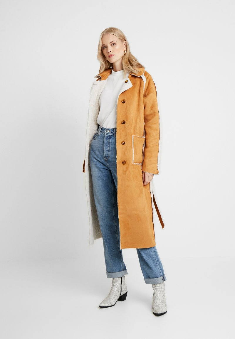 Missguided Tall - REVERSIBLE BELTED WITH DETAIL - Classic coat - brown