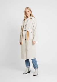 Missguided Tall - REVERSIBLE BELTED WITH DETAIL - Classic coat - brown - 3