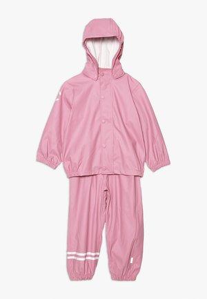 RAIN SET  - Waterproof jacket - polignac rose