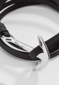 Miansai - ANCHOR ON BRACELET - Armband - black - 3