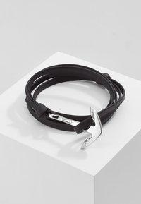 Miansai - ANCHOR ON BRACELET - Armband - black - 0
