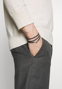 Miansai - NEXUS WRAP BRACELET - Armband - navy blue