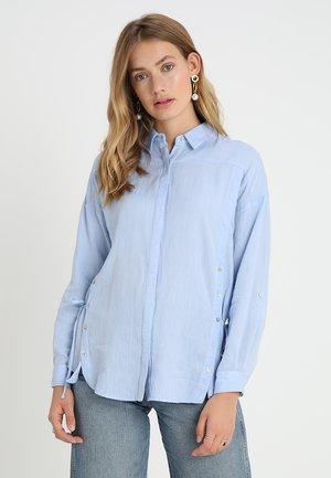 SKY BUTTON FRONT - Košile - light blue