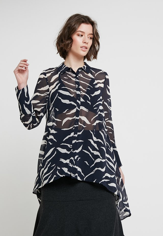 NADINE PRINT DIPPED HEM BLOUSE - Button-down blouse - dark blue