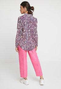 Mint Velvet - MULTI SCARLETT PRINT - Skjortebluser - pink - 2