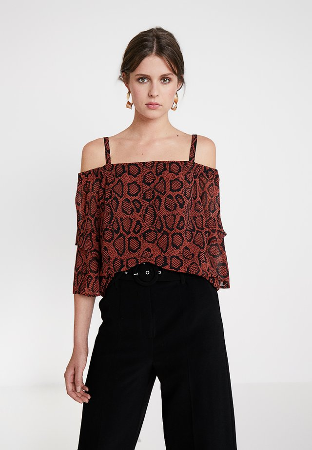 MOLLY PRINT COLD SHOULDER - Bluse - dark red