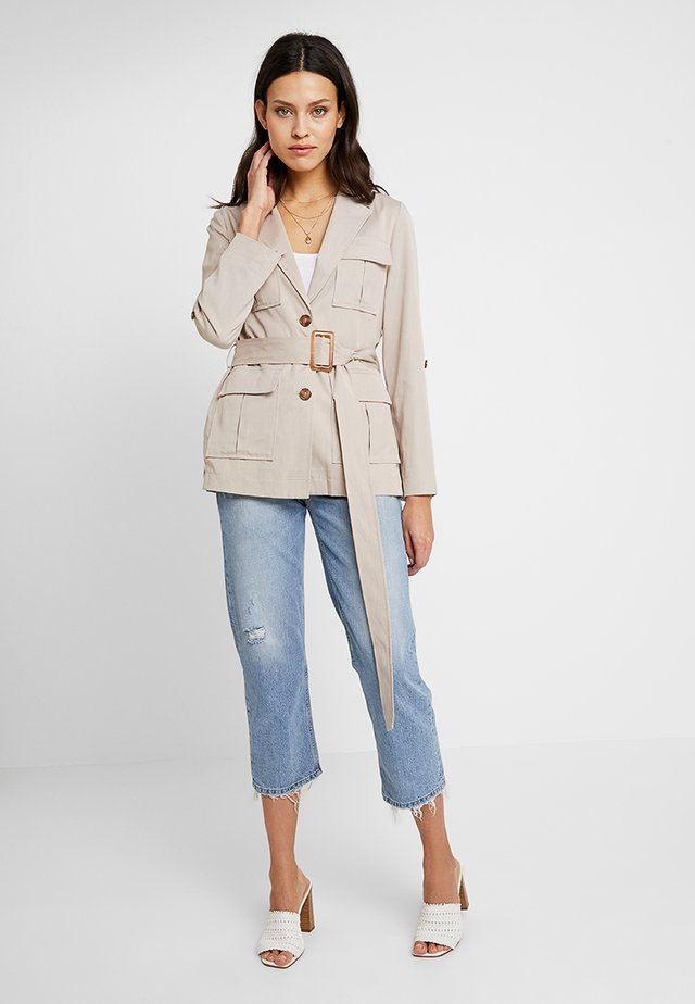 BELTED SAFARI - Blazer - neutral