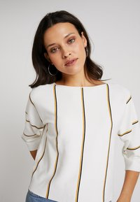 Mint Velvet - VERTICAL STRIPED - Strikpullover /Striktrøjer - offwhite - 3