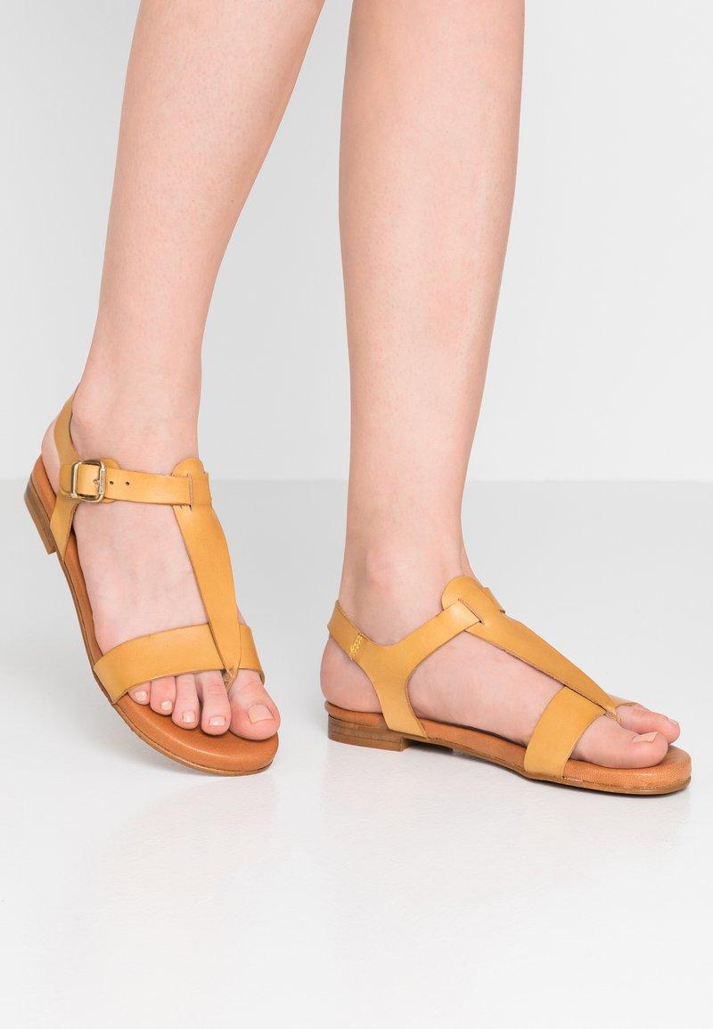 Mis Pepas - T-bar sandals - trigo