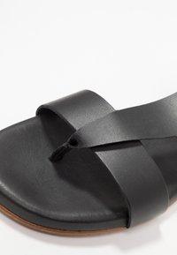 Mis Pepas - Sandalias de dedo - black - 2