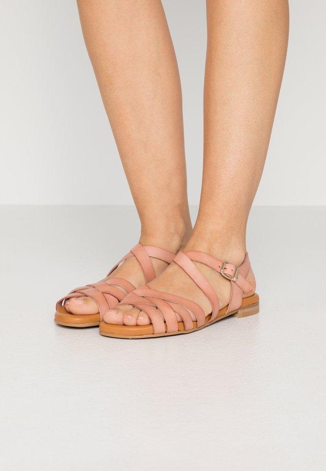 Sandaalit nilkkaremmillä - rosa palo