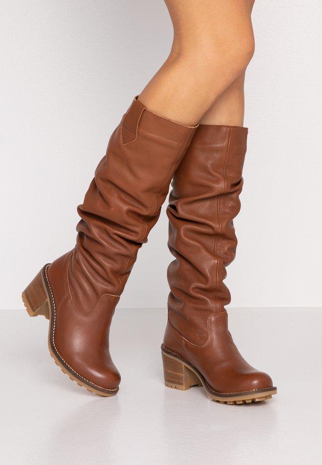 Høje støvler/ Støvler - atenea