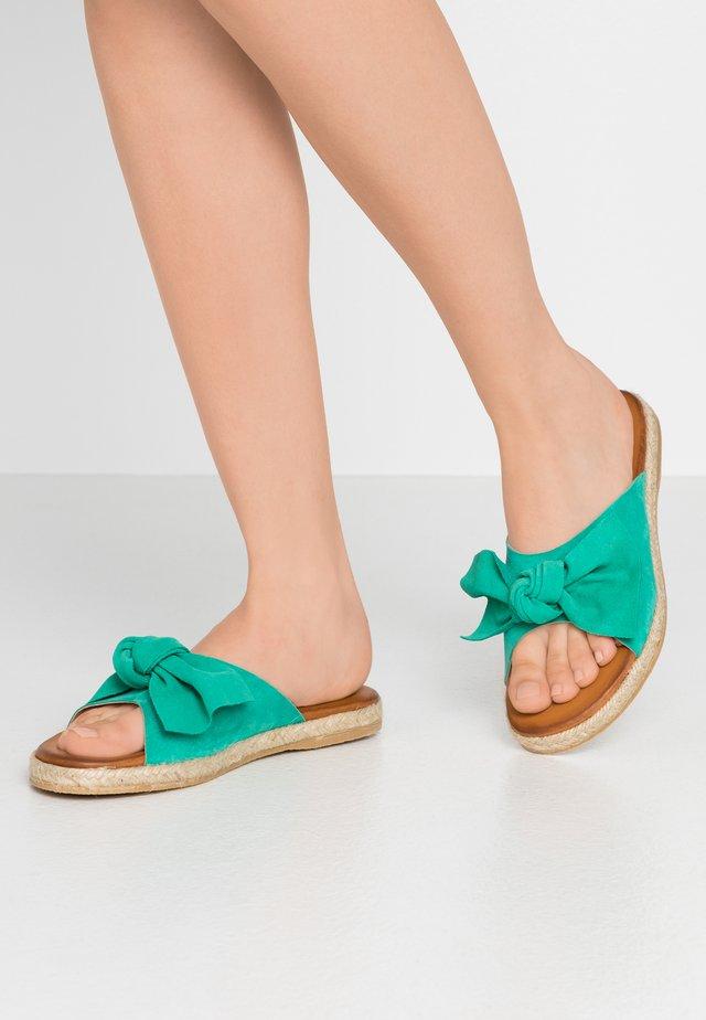 Pantofle - menta