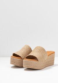 Mis Pepas - Pantofle na podpatku - zueoc/natural - 4
