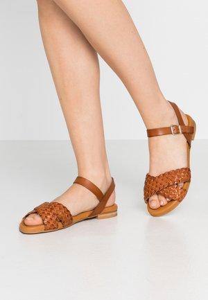 Sandales - cognac