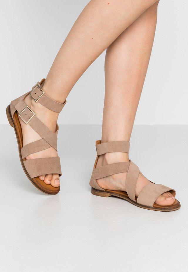Sandaalit nilkkaremmillä - corda
