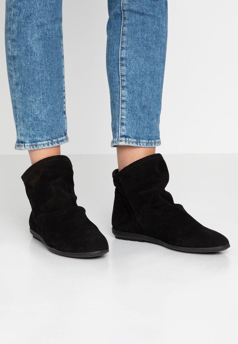 Mis Pepas - Støvletter - black