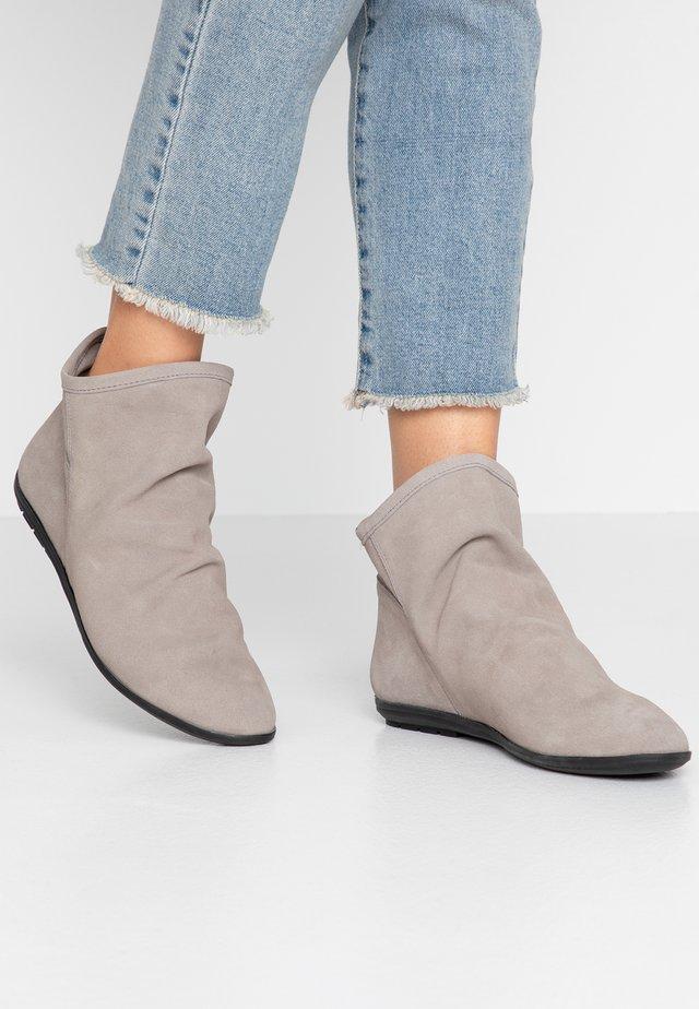 Kotníková obuv - gris