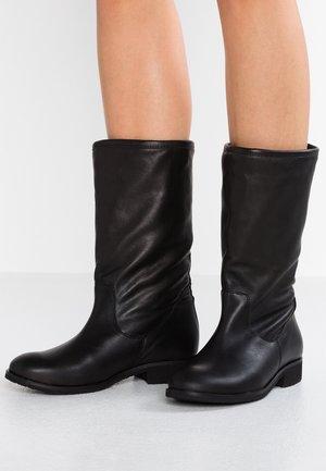 Boots - atenea
