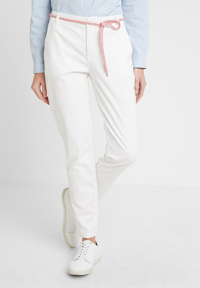 BILLIE JEAN - Spodnie materiałowe - white