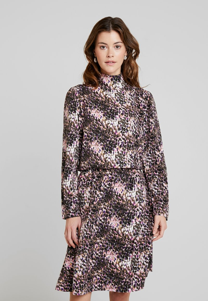 Miss Green - ON TOP OF THE WORLD - Day dress - sequins
