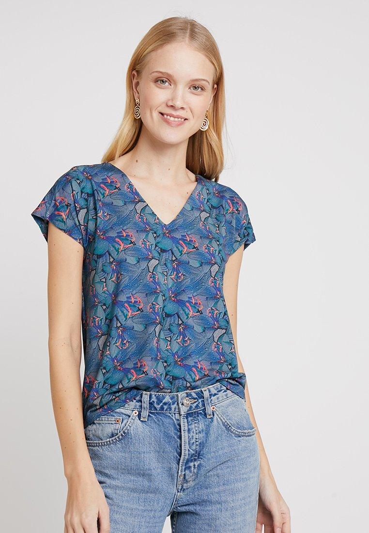 Miss Green - JUMP - T-Shirt print - orchid sea