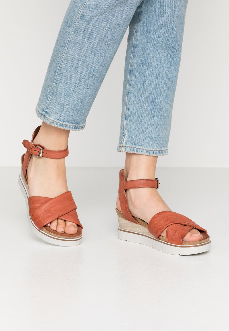 MJUS - Wedge sandals - cannella