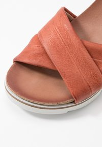 MJUS - Wedge sandals - cannella - 2