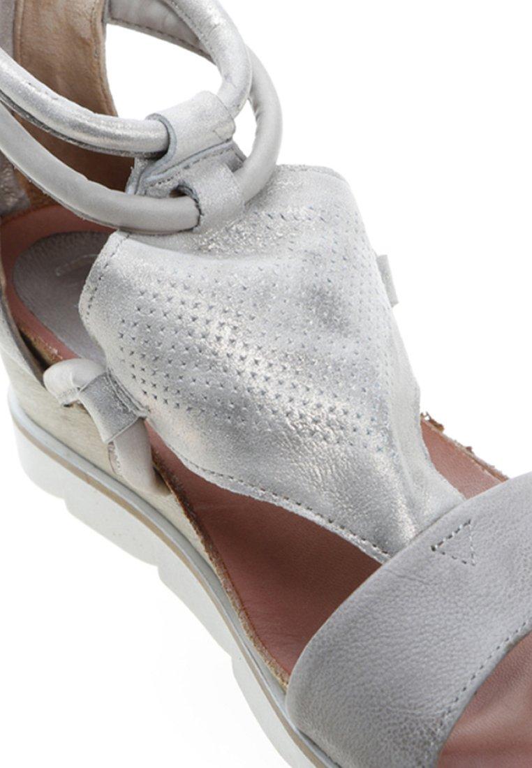 MJUS Sandały na platformie - grey