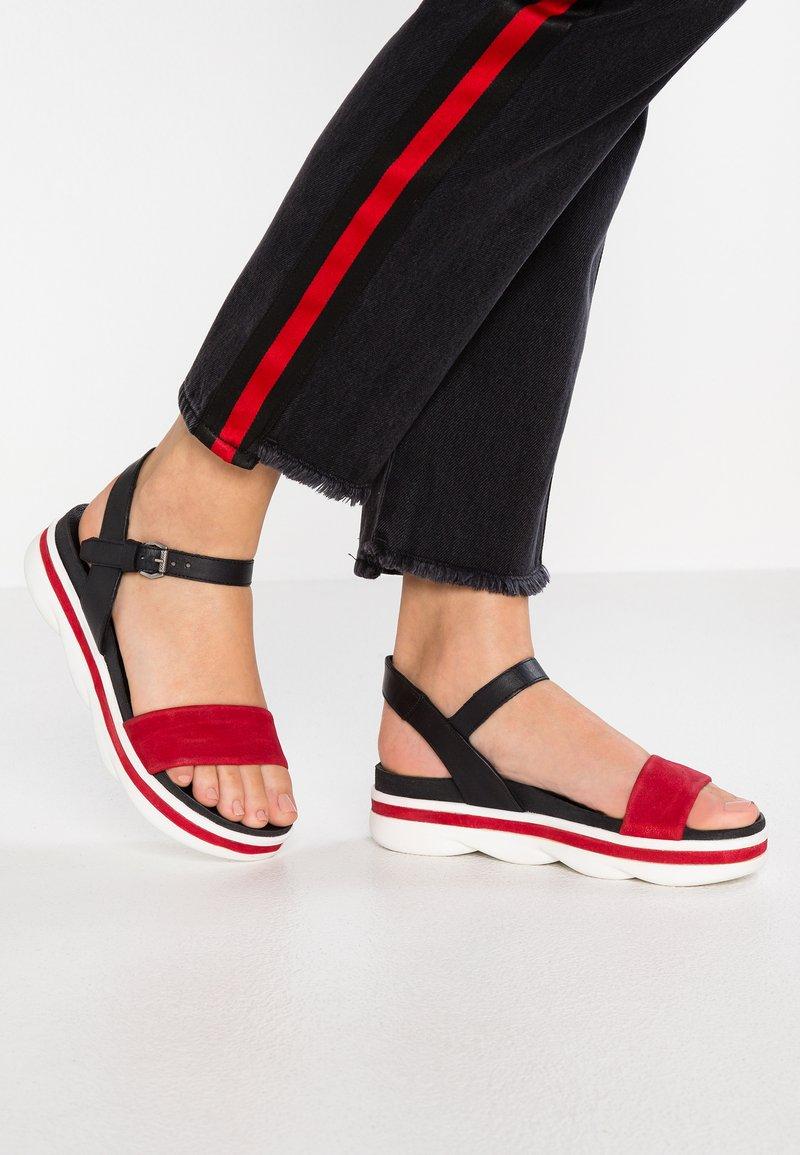 MJUS - Korkeakorkoiset sandaalit - porpoa