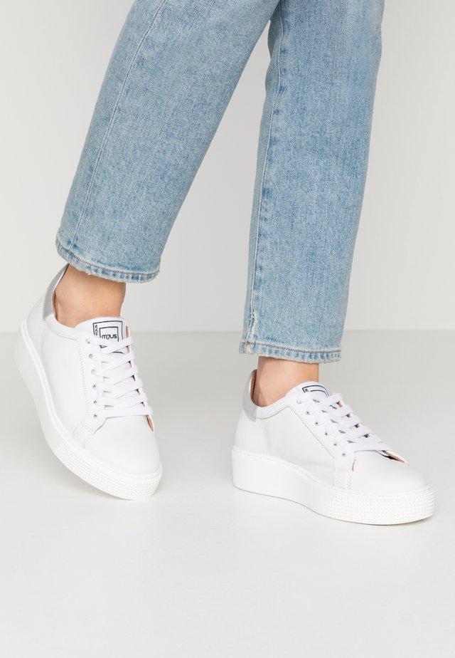 Sneaker low - bianco/argento