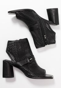 MJUS - Ankle cuff sandals - nero - 3