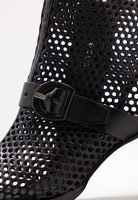 MJUS - Ankle cuff sandals - nero - 2